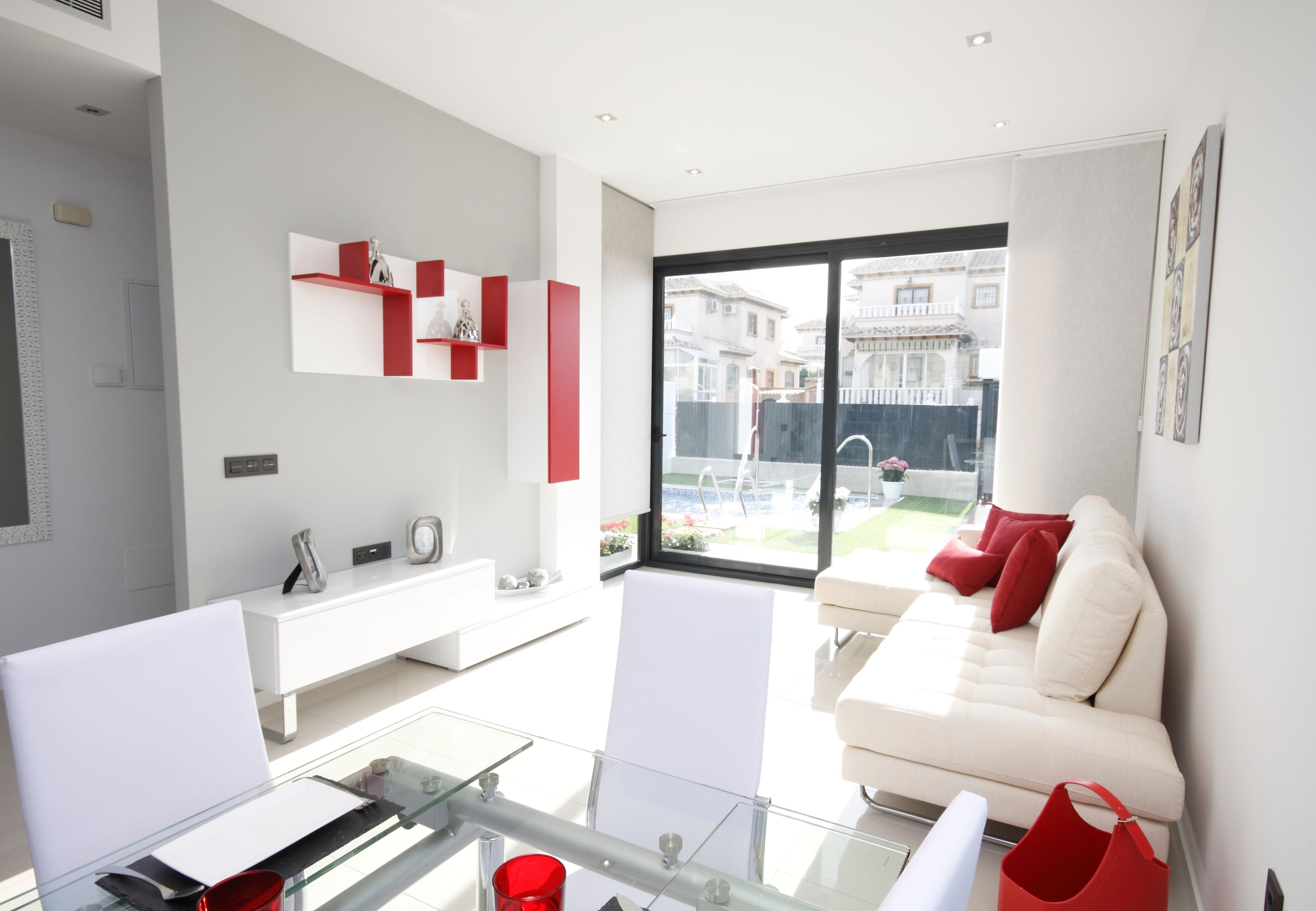 sch ne neubauvillen mit pool in quesada ihre immobilienmakler aus feldkirch f r ganz vorarlberg. Black Bedroom Furniture Sets. Home Design Ideas